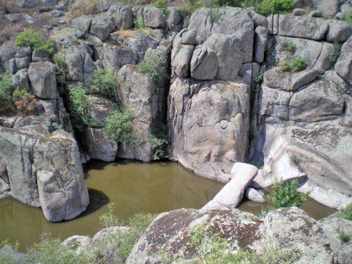 Актовский каньон и Трикраты