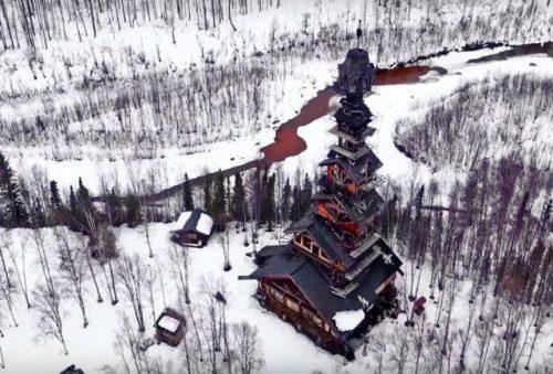 small-60-metrovyy-derevyannyy-dom-na-alyaske-3