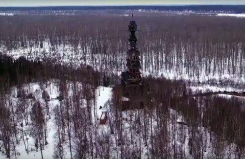 small-60-metrovyy-derevyannyy-dom-na-alyaske-5