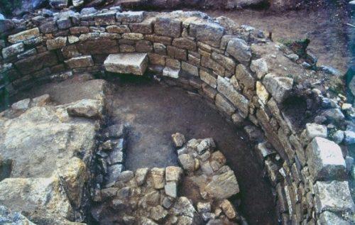 grobnica-aristotelya-4