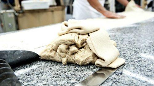 Тесто для модиканской версии классических эмпанадас - пирожков с начинкой
