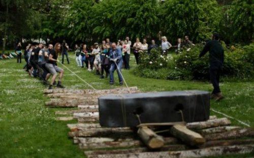 каким образом древние строители перемещали огромные каменные блоки для Стоунхенджа