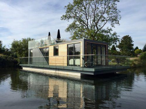 Плавающий дом Bluefield Houseboats / ©bluefieldhouseboats.com