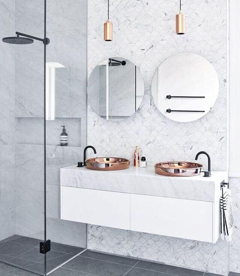 11 udivitelnyh idej dizajna tualetnyh stolikov dlja vannoj komnaty