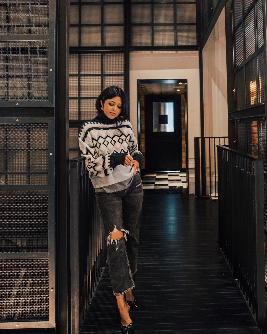 с чем носить свитер осенью 2019 фото 22