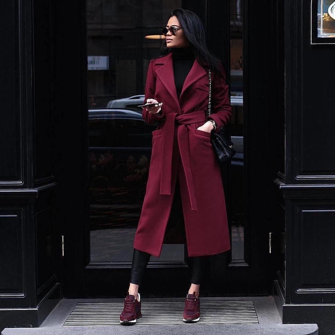 Бордовое пальто фото 11