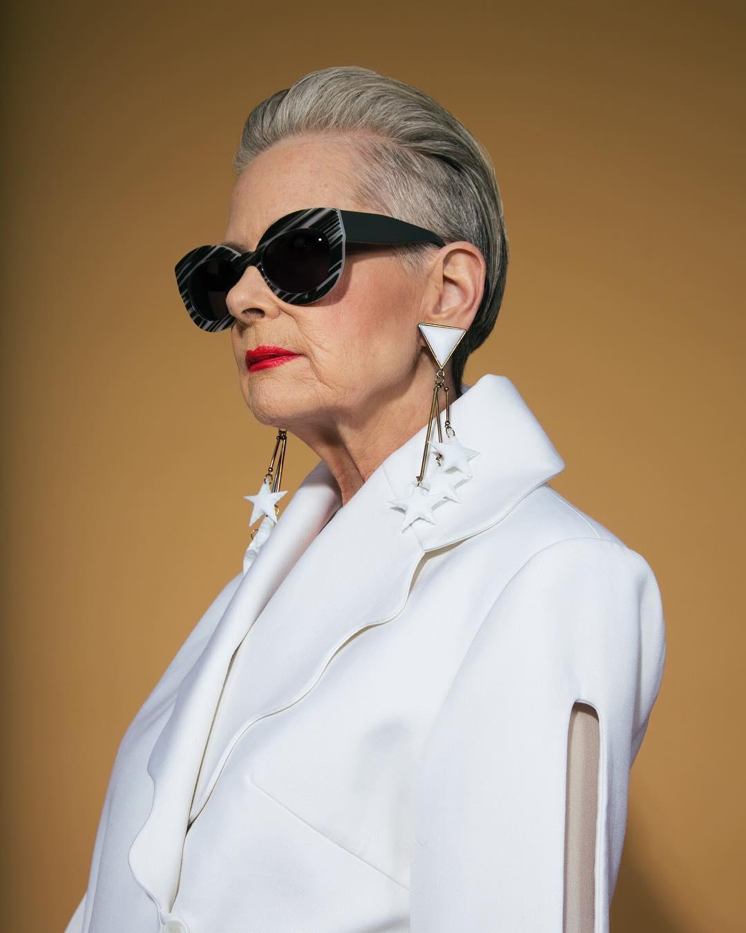 короткие стрижки для женщин старше 60 лет фото 2