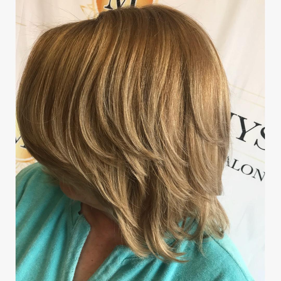 Стрижки после 60 лет для прямых волос фото 10