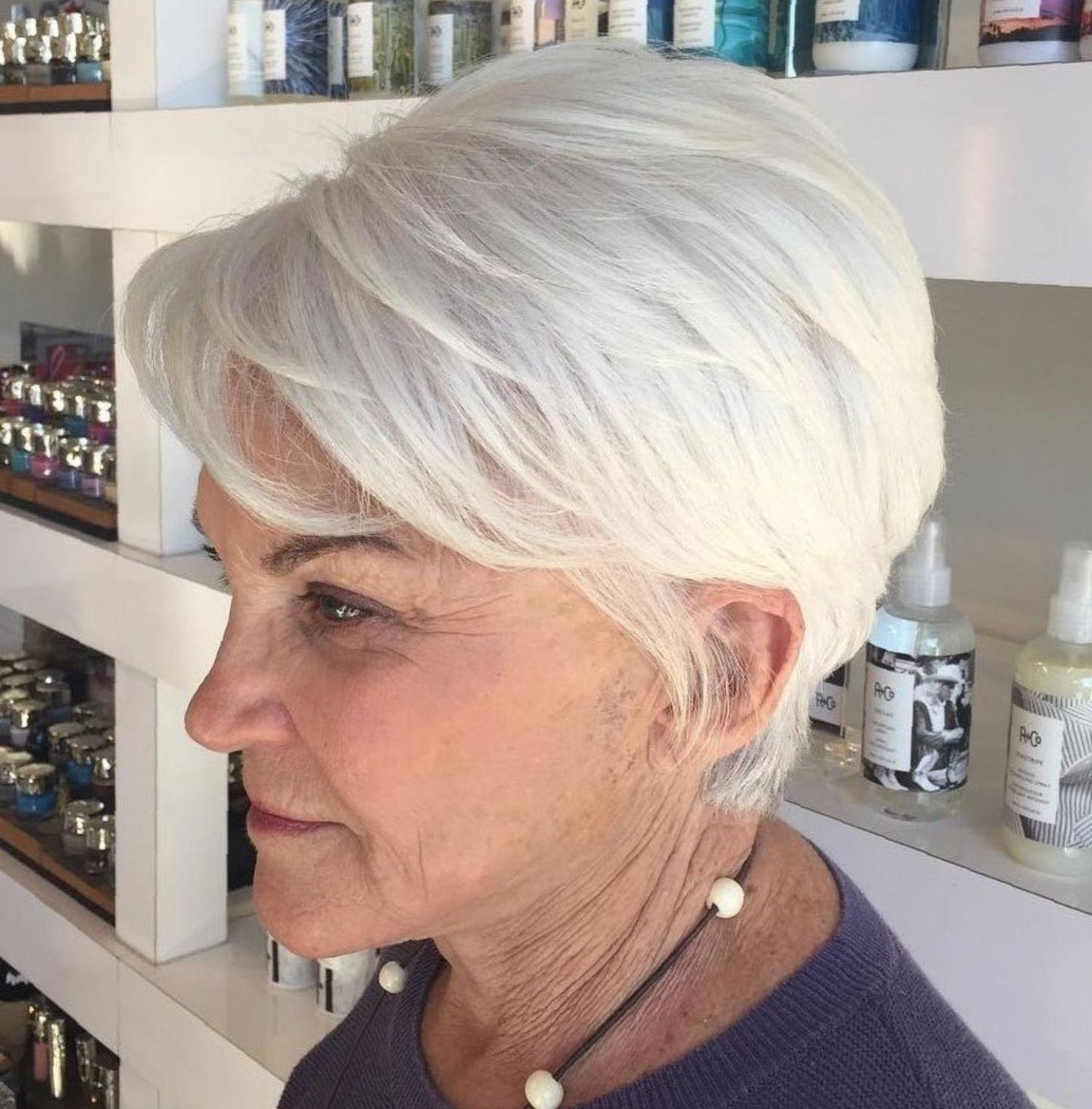 короткие стрижки для пожилых женщин фото 5