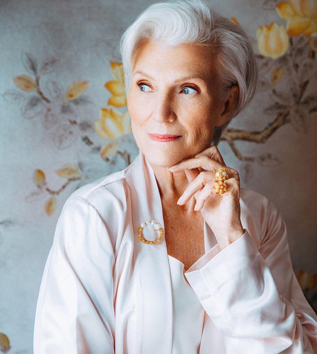 стрижки для пожилых женщин фото 13