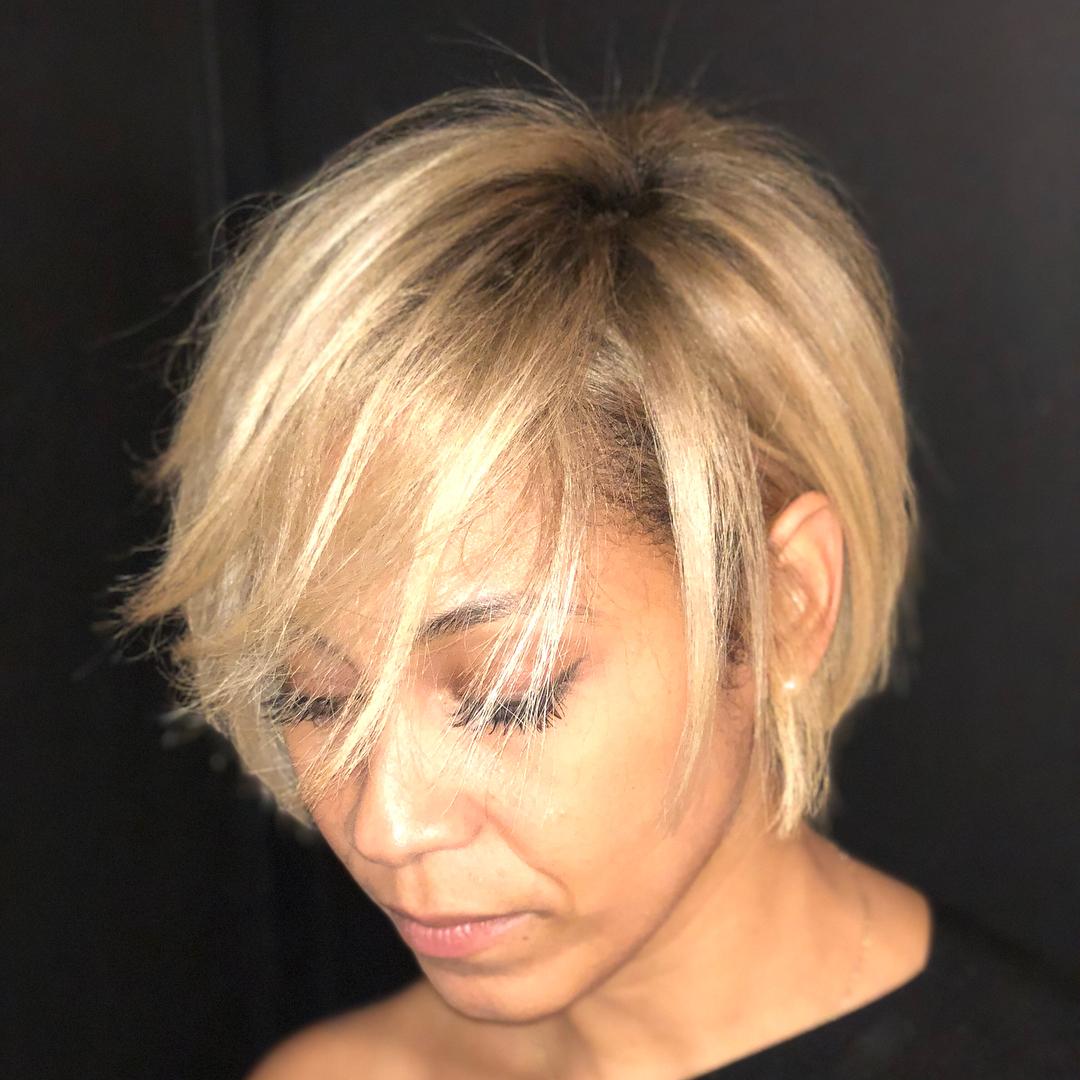 модные стрижки на короткие волосы для женщин 40 лет фото 1