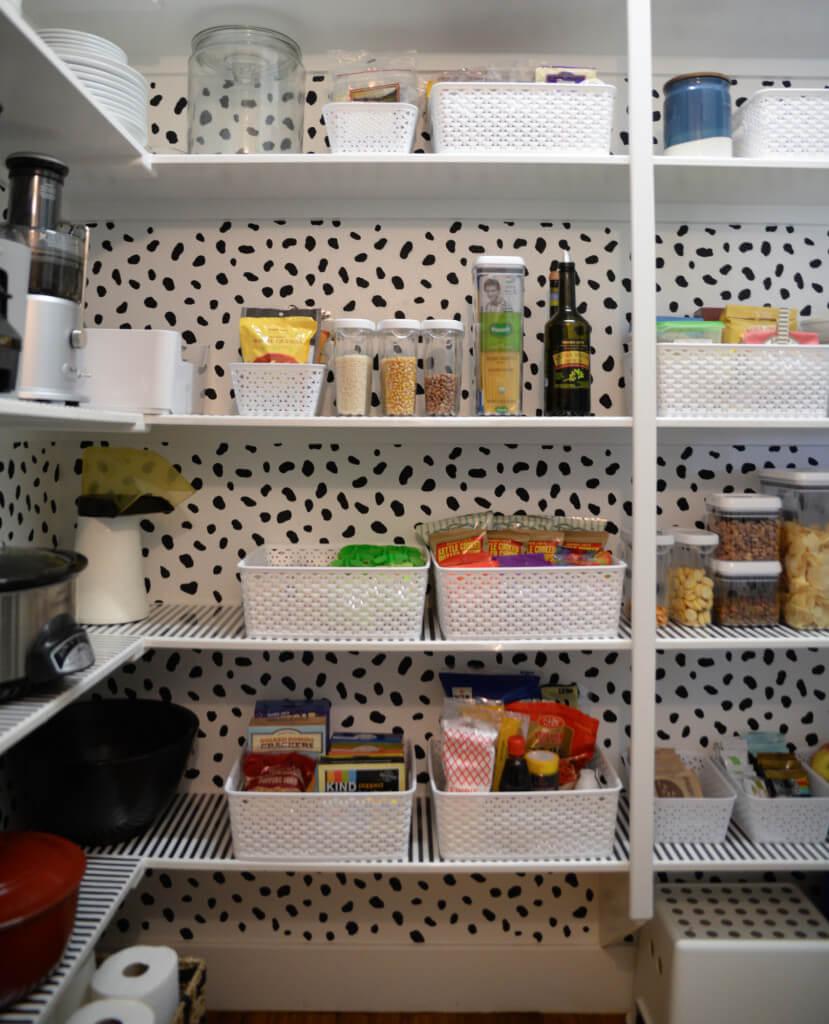 стеллажи для организации кладовой на кухне фото 5