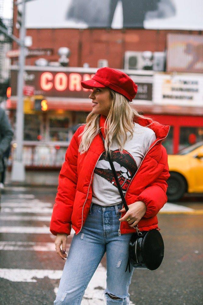 Красная куртка фото 9