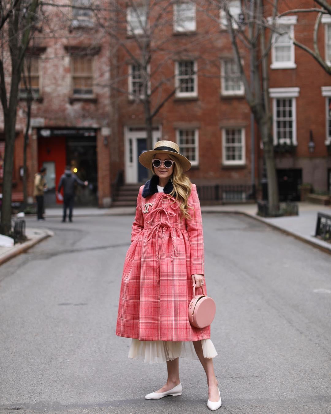 Розовое пальто фото 6