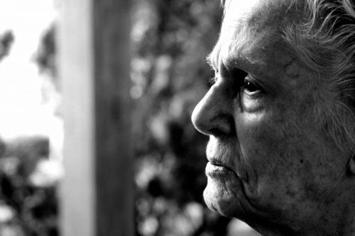 Болезнь Альцгеймера.  В 2013-м она убила 84 тыс. 767 жителей США.