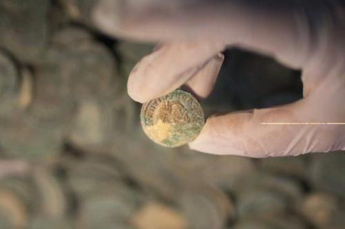 Полтонны древнеримских монет обнаружили в Севилье