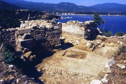grobnica aristotelya 5