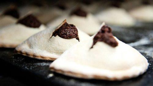 Пирожные mpanatigghi (разновидность эмпанадас) сочетают итальянские и испанские традиции, но имеют оригинальный модиканский вкус