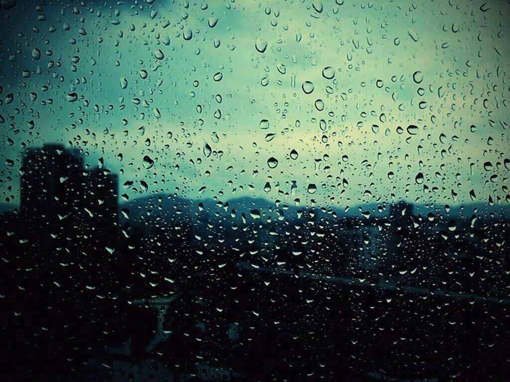 Ученые объяснили, почему в дождь хочется спать