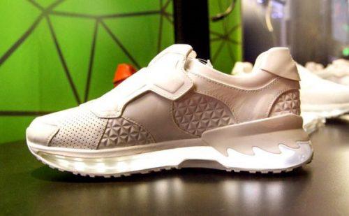 lenovo tech world smart shoes e1465749136423