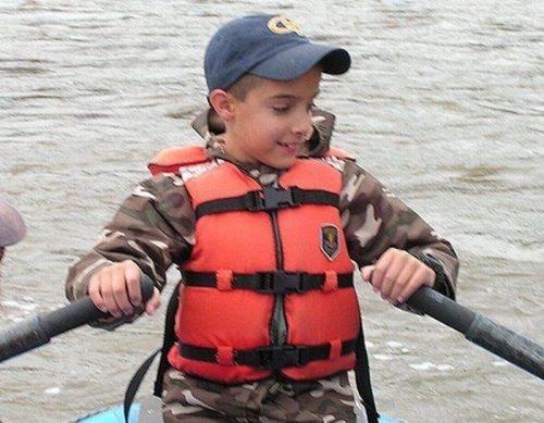 Как выглядит сегодня мальчик со знаменитого фото «Рука надежды»