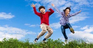 Ученые выяснили, почему подростки такие неуклюжие