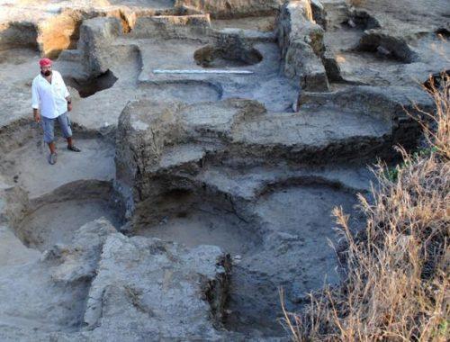 Остатки стен древнейших оборонительных сооружений Фанагории