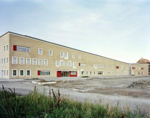 the-kollaskolan-school-in-kungsbacka-sweden-was-built-in-2014-by-kjellgren-kaminsky-architecture-on-the-outside-its-rather-plain-but-inside