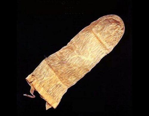 12Самый старый презерватив
