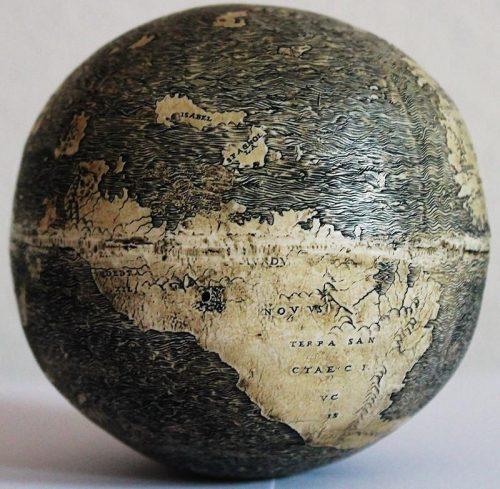 17Самый старый глобус