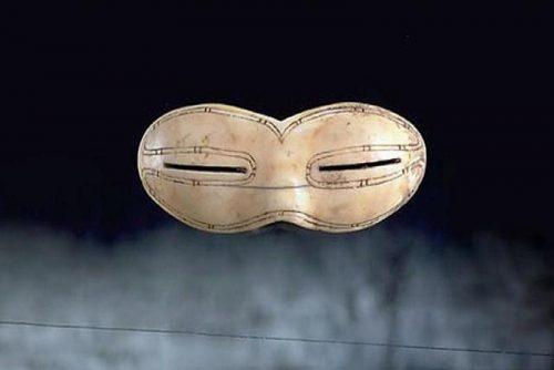 3Самые старые солнечные очки