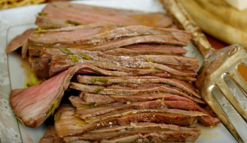 Мясо, запеченное по-бразильски: карнавал вкуса!