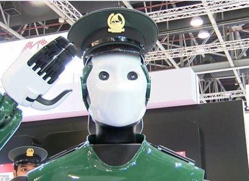 В Дубаи четверть полицейских будут роботами