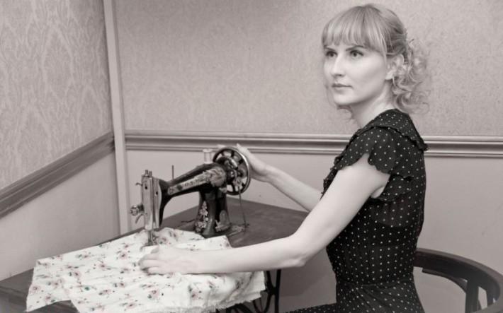 Чем занимались женщины, когда не было социальных сетей