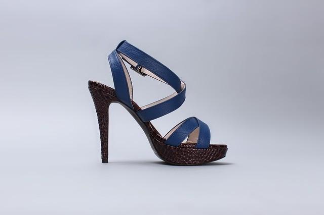 sandals 587185 640