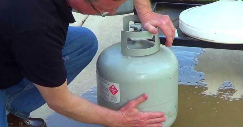 Сколько газа в баллоне - простой трюк для проверки уровня пропана