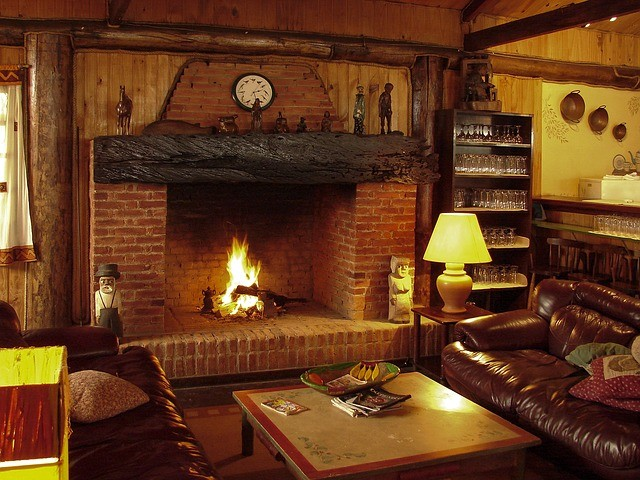 fireplace 1741208 640