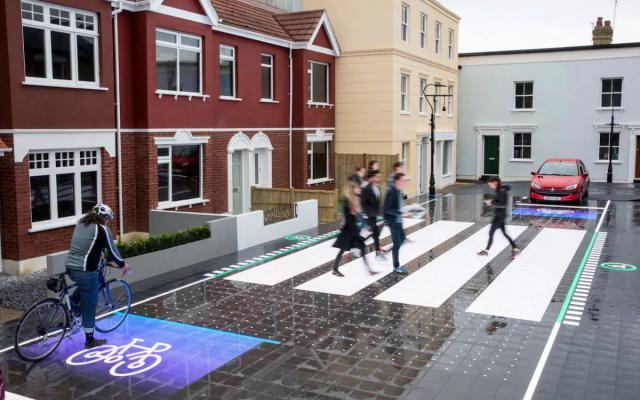 В Лондоне появился умный пешеходный переход