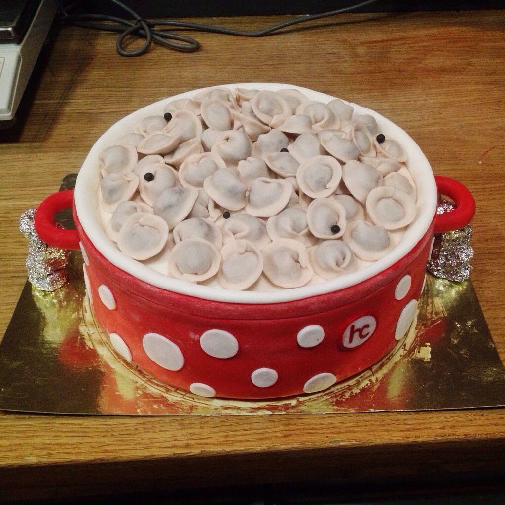 konditer iz sankt peterburga gotovit bljuda obmanki kazhdoe iz kotoryh kak ni stranno tort