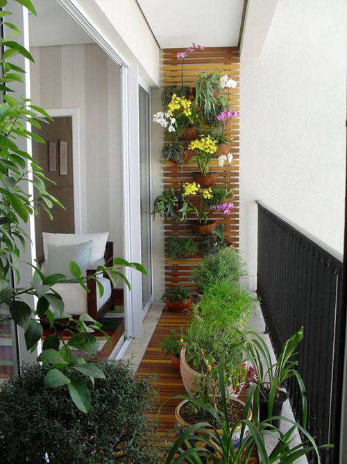 Балкон с отделкой планкеном