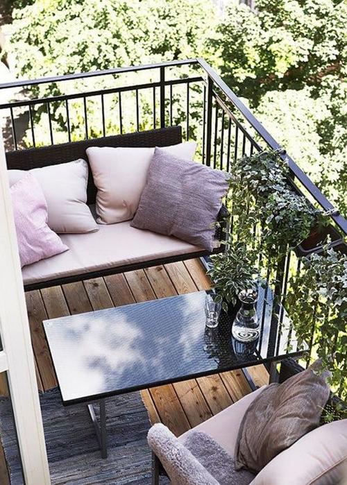 Неплохая идея для отдыха на балконе
