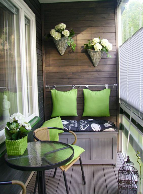 Отличное сочетание цветов на этом балконе