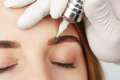9 populjarnyh procedur salona krasoty kotorye kosmetologi ne rekomendujut delat