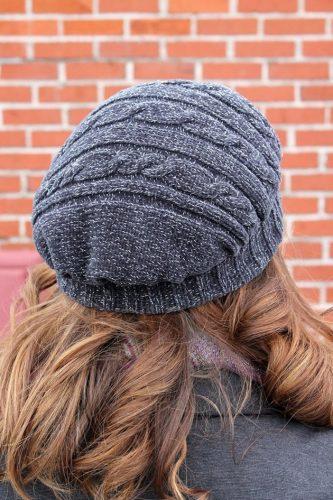 reshili obzavestis beretom ispolzujte dlja jetogo staryj sviter