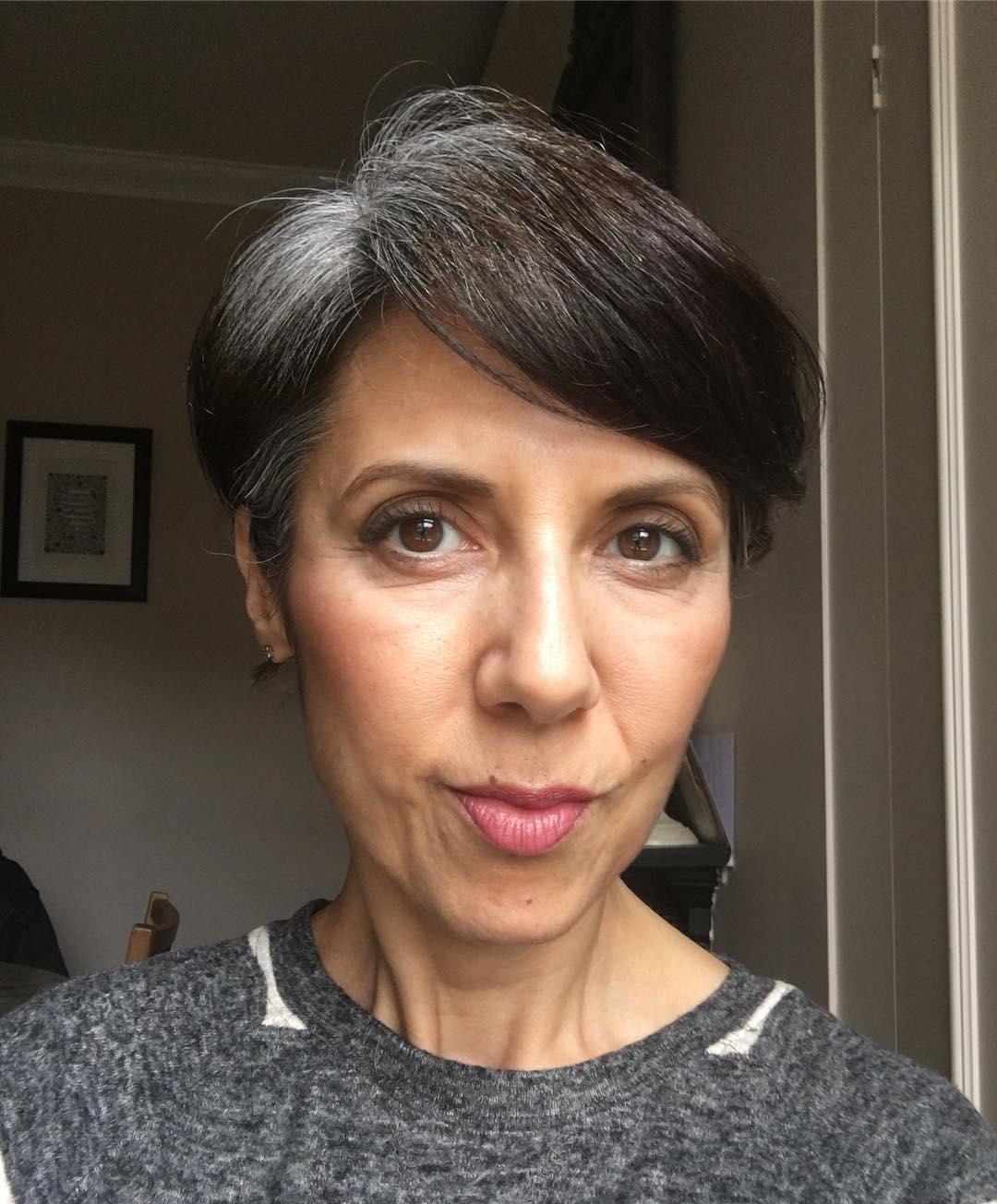короткие стрижки для женщин старше 60 лет фото 7