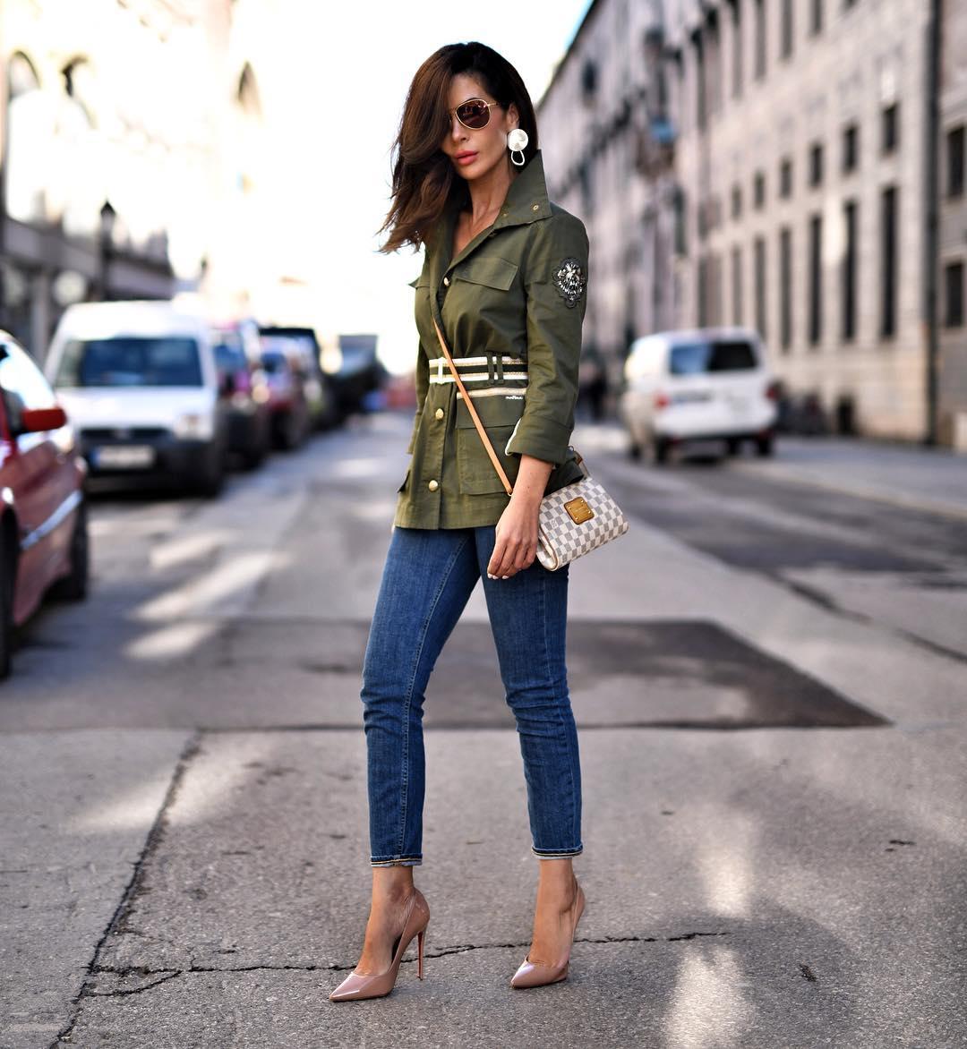 вещи, которые модно носить с ремнем фото 10