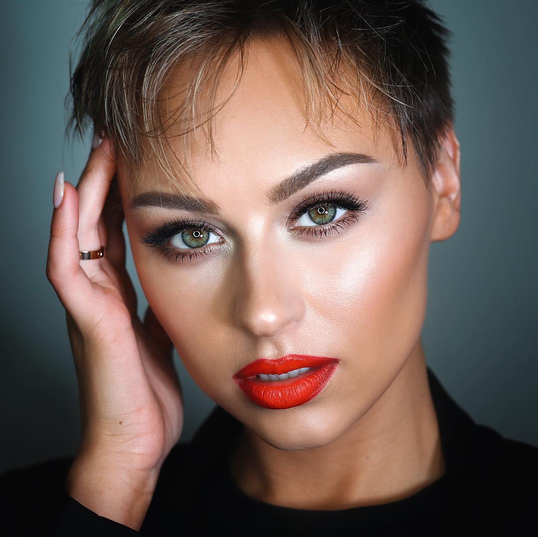легкий макияж для зеленых глаз фото 14