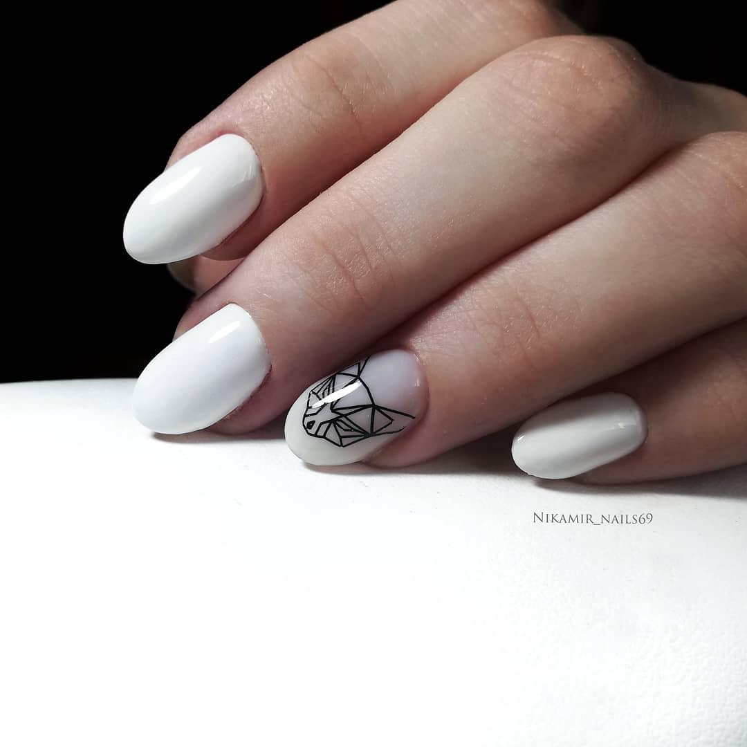 белые короткие ногти 2019_17