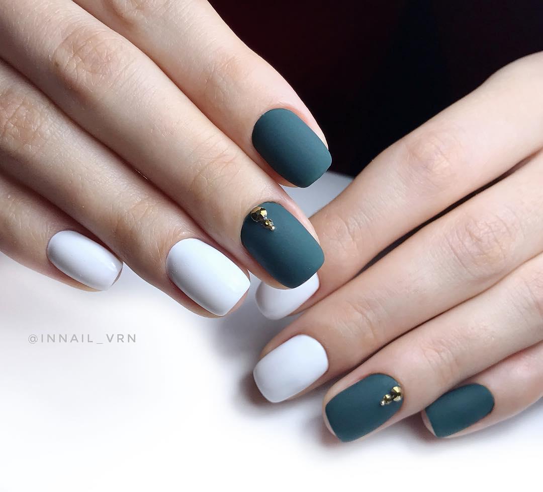 белые короткие ногти 2019_20