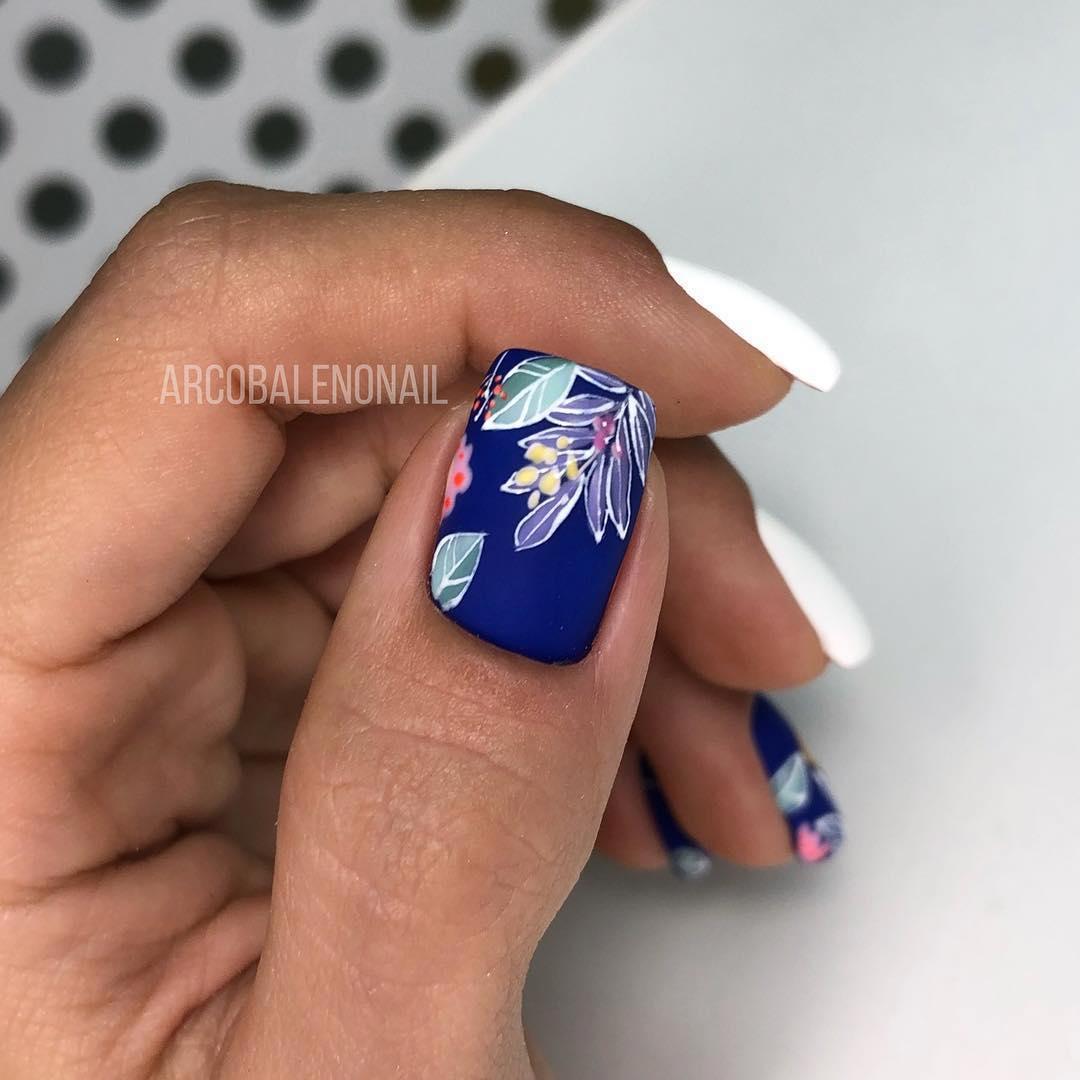 белые короткие ногти 2019_26